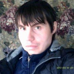 Парень ищет девушку или женщину любого возраста для секса  в Томске