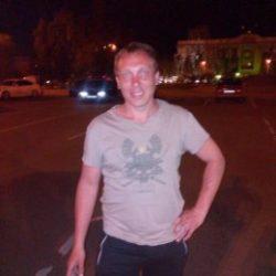 Парень ищу девушку или женщину любящую волшебный куни в Томске